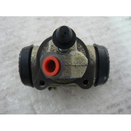 Cylindre de roue AVANT GAUCHE du 28/11/57 à la fin (A90P60)