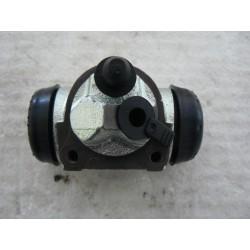 cylindre de roue AVANT...